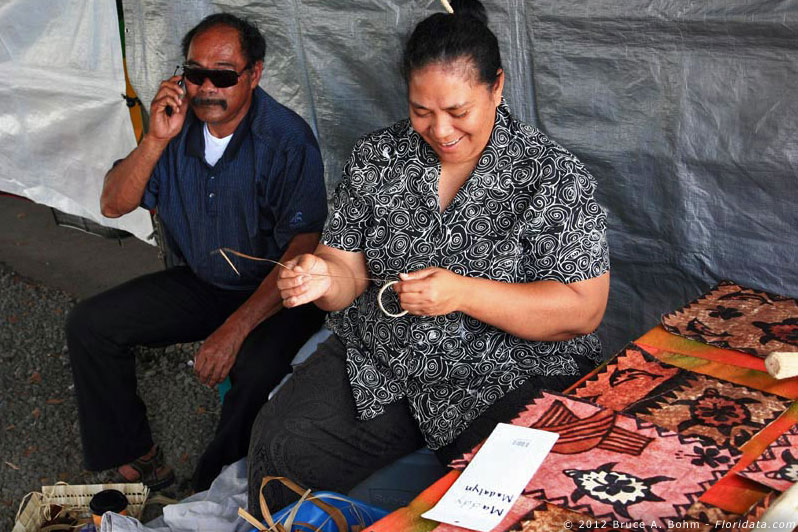 tapa cloth sellers